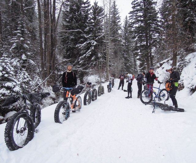 Nine fat bikers