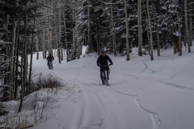 Climbing up out of the basin toward Soapstone Pass.